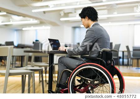 日本環球模特協會監督物質殘障輪椅業務 48055772