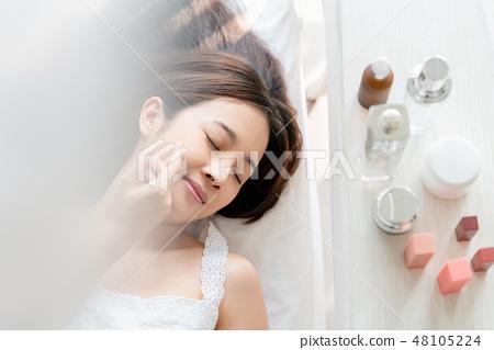 女性美容化妆 48105224