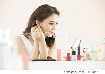Women beauty 48185466