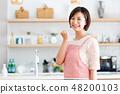 주부 승리의 포즈 여성 부엌 48200103