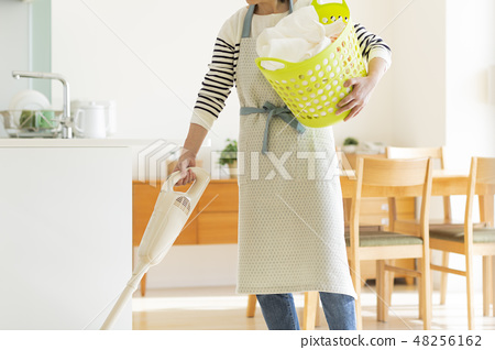 家庭主妇吸尘器 48256162