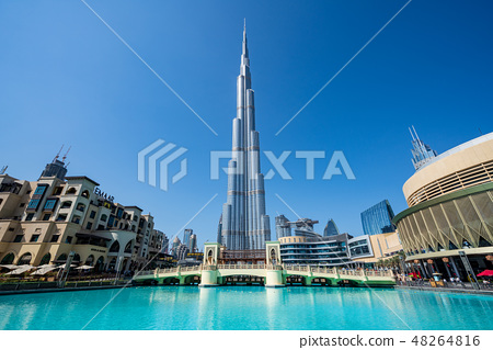 [迪拜城市景觀]迪拜塔和白天的迪拜購物中心 48264816