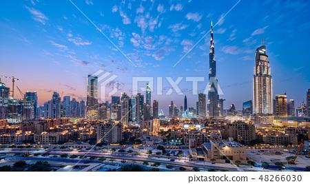 Burj Khalifa和迪拜都市風景·夜視圖 48266030