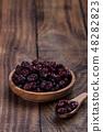 Organic raw dry cranberries 48282823