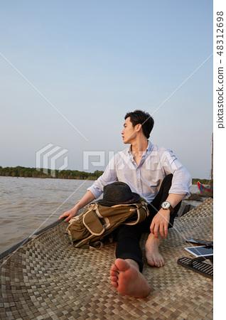 여행,남자,톤레삽,깜뽕플록,캄보디아 48312698