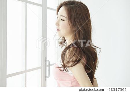 젊은여자 48317363