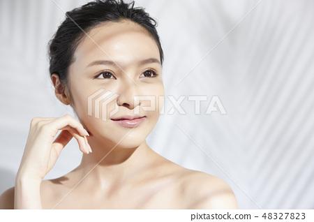 Women beauty 48327823