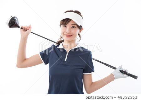 젊은 여성 골프 48352553