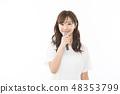 젊은 여성 마이크 48353799