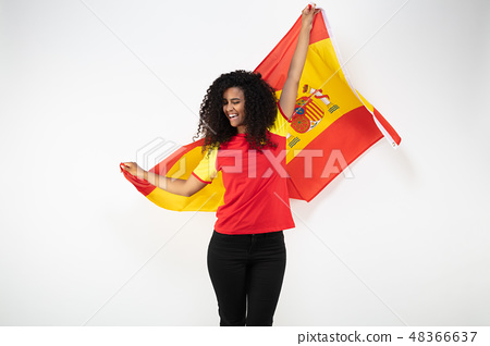 Portrait of a young supporter of the Spanish team 48366637