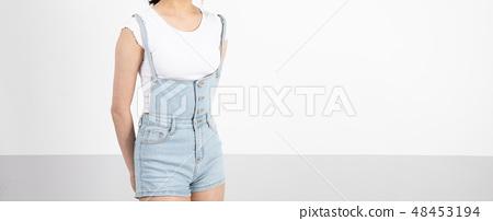 일본 소녀의 아름다운 몸매 48453194
