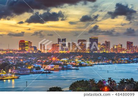 Fort Lauderdale, Florida, USA skyline 48480099