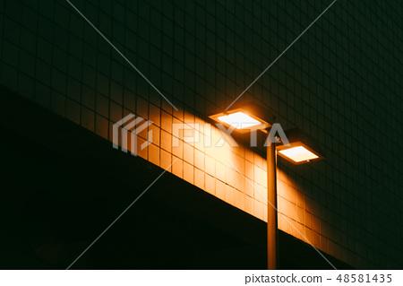 가로등 불빛 48581435