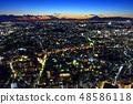 ทิวทัศน์ยามค่ำคืนของเมืองโยโกฮาม่าและภูเขาไฟฟูจิ 48586118