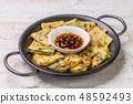 부침개 한국 음식 아시아 오코노미 야키 jijim and iron pan Korean food 48592493