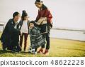 父母和孩子公園玩 48622228