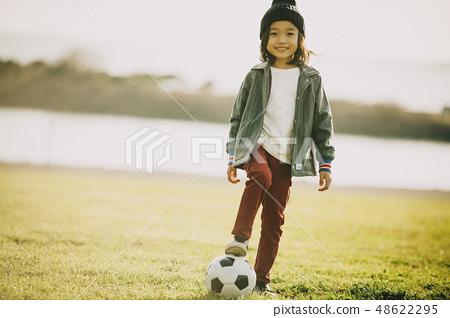 어린이 공원 놀이 48622295