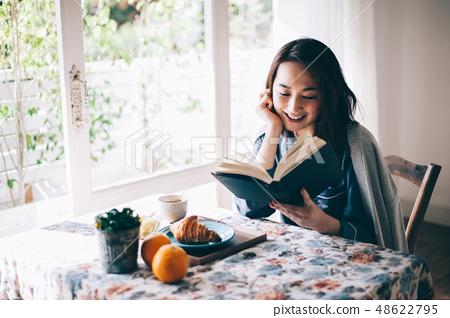 女性生活阅读 48622795