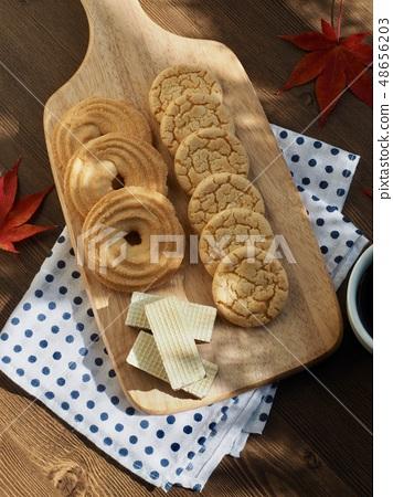 버터쿠키와 커피  48656203