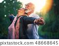 年长 老年人 老人 48668645