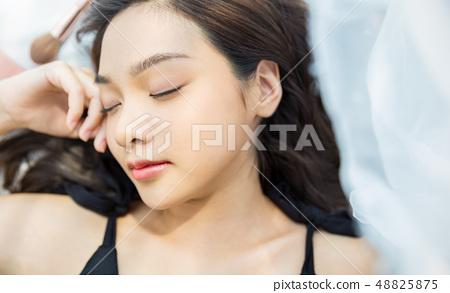Women beauty 48825875