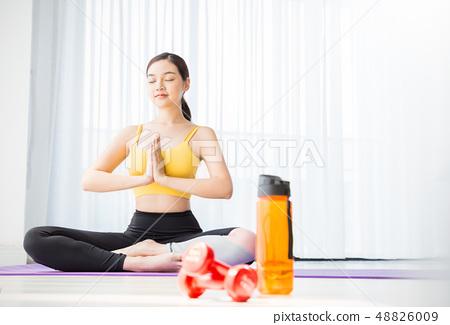 女子運動服瑜伽 48826009
