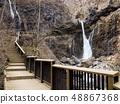 日光烏拉米瀑布和浮橋 48867368