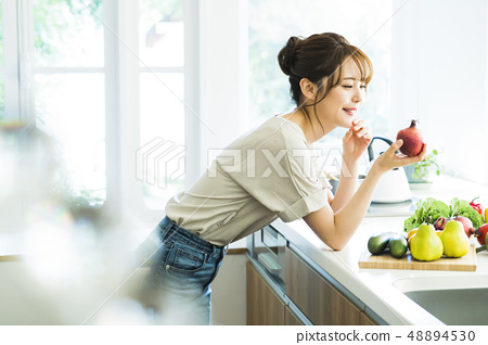 Kitchen Female housewife housework lifestyle cuisine 48894530