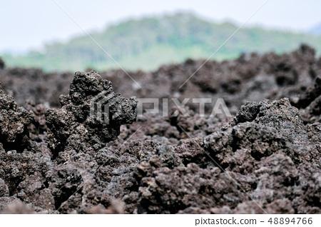 오한 굳어진 용암 (소 주행 용암 흐름) 48894766