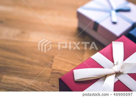 선물 48900897