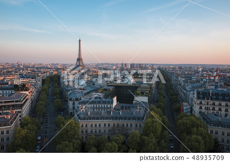 從凱旋門(Arc de Triomphe)欣賞巴黎的全景 48935709