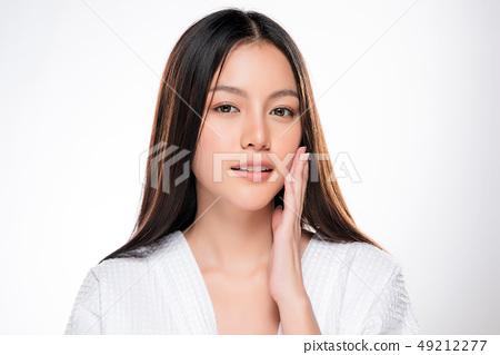 Beautiful Young asian Woman with Clean Fresh Skin 49212277