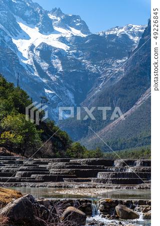 中國麗江玉龍雪山 中国観光スポット China Jade Dragon Snow Mountain 49226845