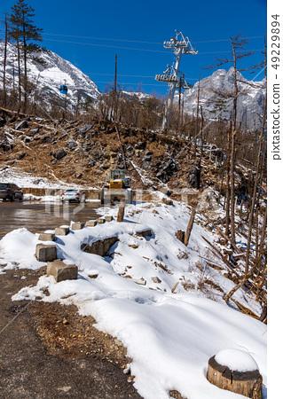 中國麗江玉龍雪山 中国観光スポット China Jade Dragon Snow Mountain 49229894