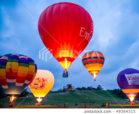 台灣台東熱汽球嘉年華Asia Taiwan Taitung hot air balloon 49364315