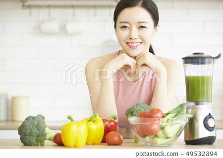 ผู้หญิงมีสุขภาพดี 49532894