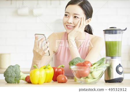 ผู้หญิงมีสุขภาพดี 49532912