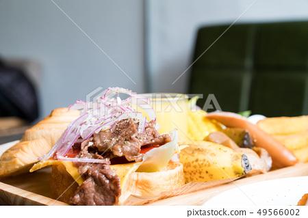 A delicious brunch combination. 49566002