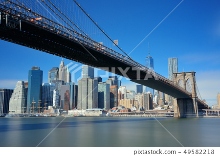 Brooklyn Bridge and downtown Manhattan 49582218