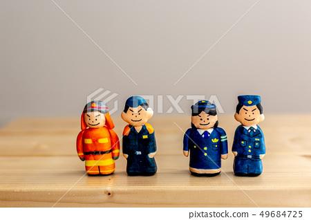 消防員和警察 49684725