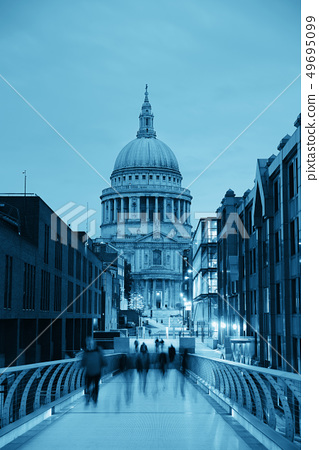 St Paul's cathedral 49695099