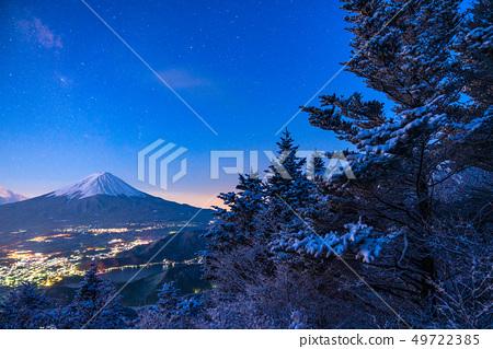 """山山县""""从富士山和Yukiyama看到的黎明时刻 49722385"""