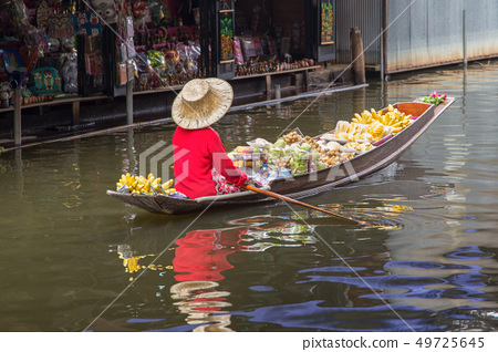 Damnoen Saduak Floating Market 49725645