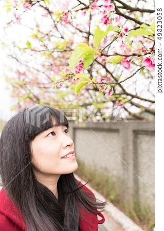 美麗的日本女人Roka。四季是春天天窪的冬天。 49823058
