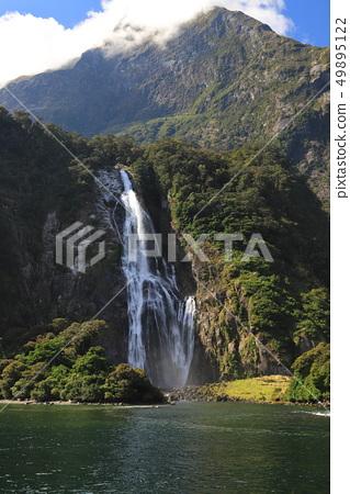 纽西兰米佛峡湾 49895122