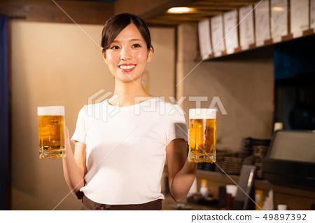 술집에서 아르바이트하는 여자 49897392