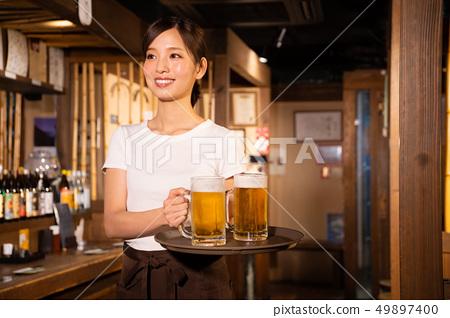 술집에서 아르바이트하는 여자 49897400