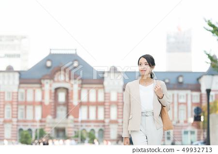 女商人东京站 49932713
