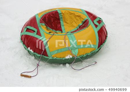 Children's winter tubing 49940699