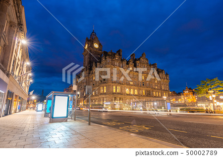 Edinburgh Cityscape 50002789
